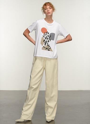People By Fabrika Kadın Desen Baskılı  Tişört PFKSS21TS0017 Beyaz